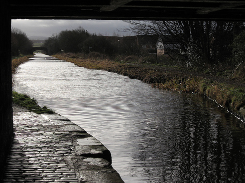 Broxburn. Union Canal. http://www.flickr.com/photos/30409974@N00/2252618927